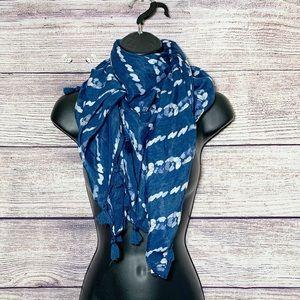 🌵5/$20🌵 Hollister tasseled polyester scarf/wrap